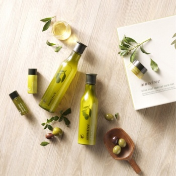 INNISFREE OLIVE REAL SKINCARE SET 1.25kg (SKIN 180ml + SKIN 15ml + LOTION 160ml + LOTION 15ml + CREAM 10ml)